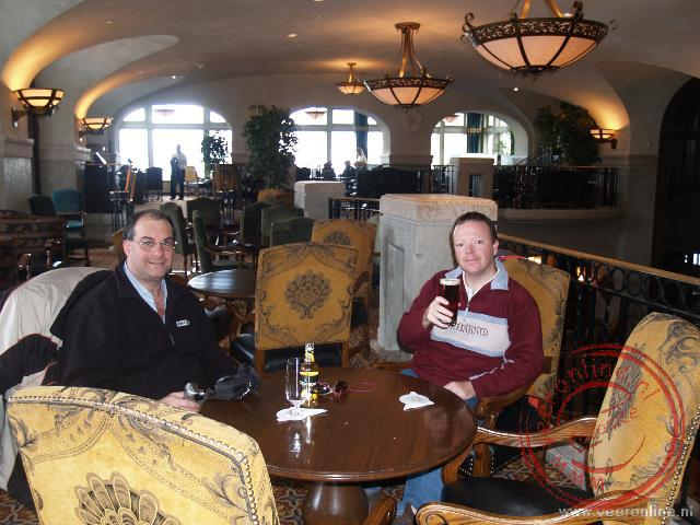 Canadian Rocky Mountains - Een biertje drinken in het Fairmont Banff Springs Hotel