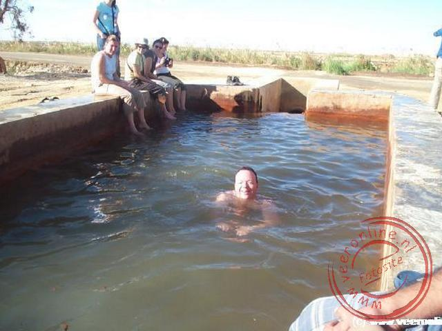 Rondreis Egypte - Zwemmen in de warm water bron