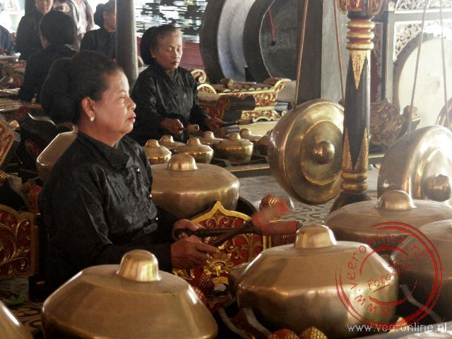 Indonesië: Sumatra, Java en Bali - De traditionele Gamelan muziek in het paleis